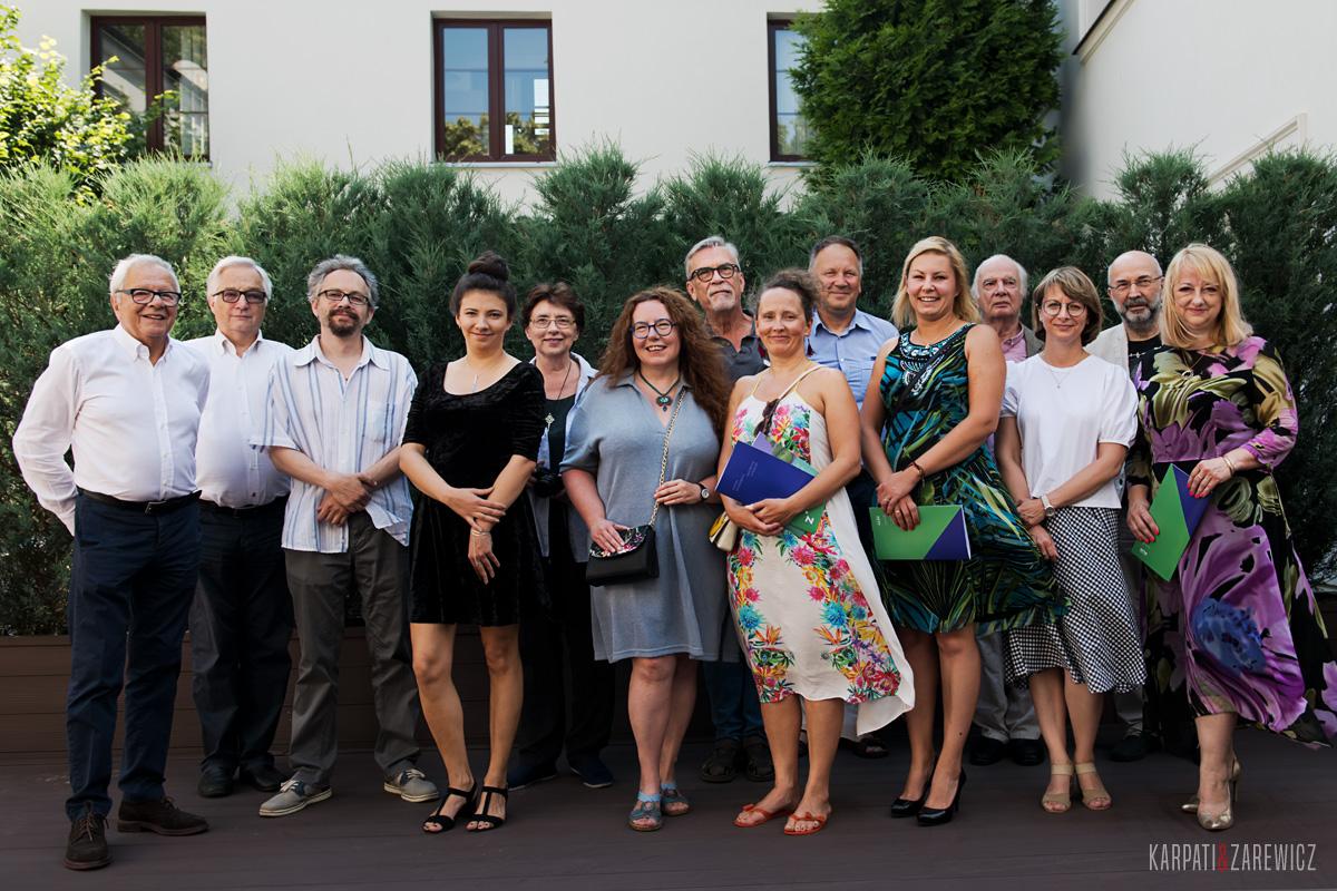 zdjęcie grupy laureatów konkursu
